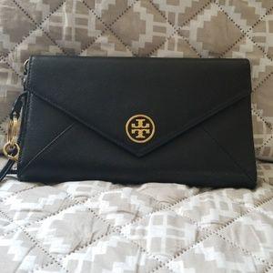 NWOT Tory Burch wristlet purse saffiano leather.